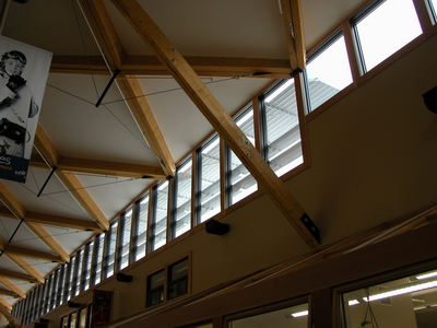 Image gallery canmore civic centre alberta for Clerestory roof truss design